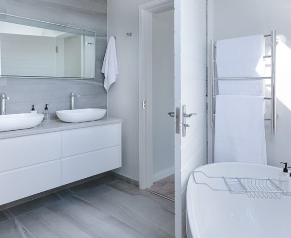 Planning Electrical Items In Your Bathrooms (including ensuites)